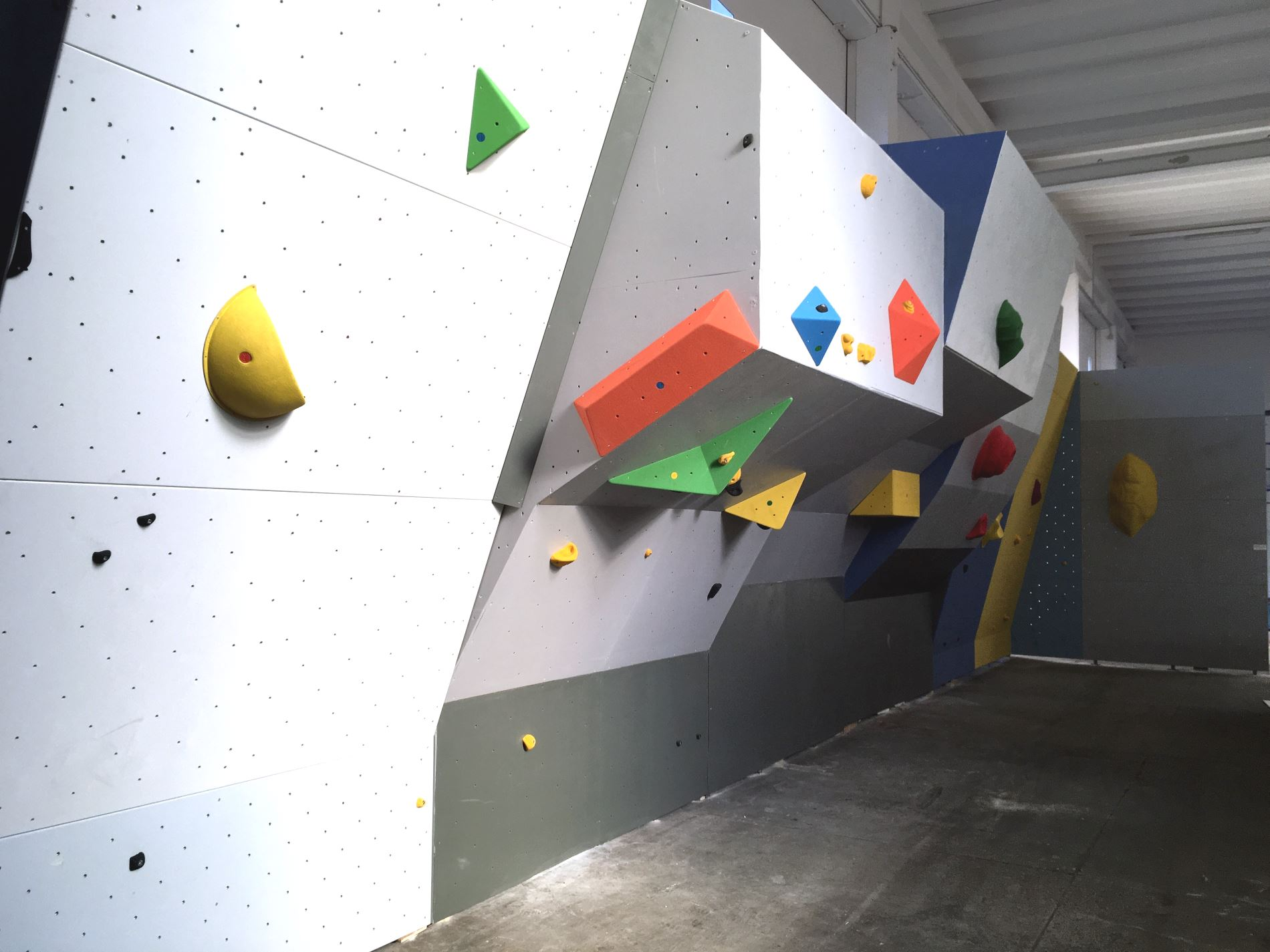 Volumi parete arrampicata resina a Pesaro